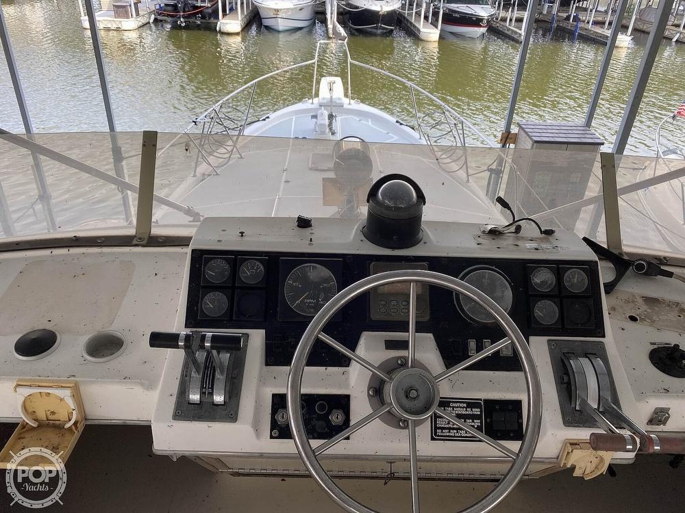 1989 Bayliner boat for sale, model of the boat is 3888 Motoryacht & Image # 28 of 40
