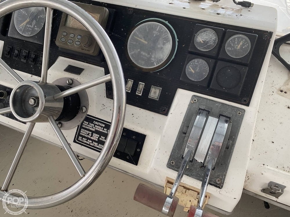 1989 Bayliner boat for sale, model of the boat is 3888 Motoryacht & Image # 29 of 40