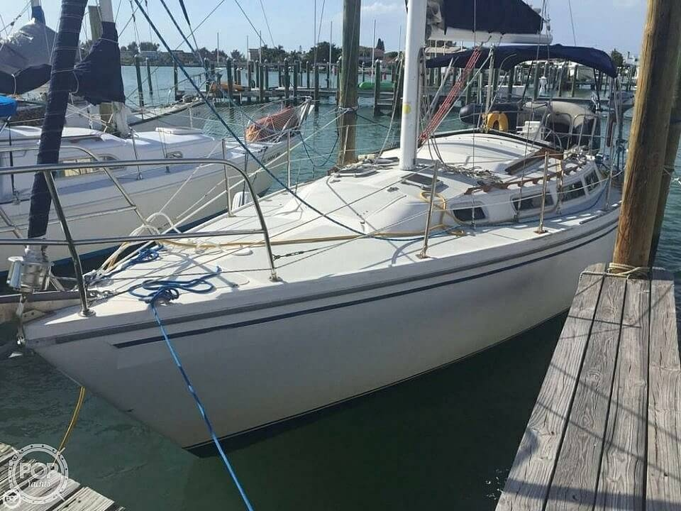1986 Catalina Yachts boat for sale, model of the boat is 30 & Image # 4 of 40
