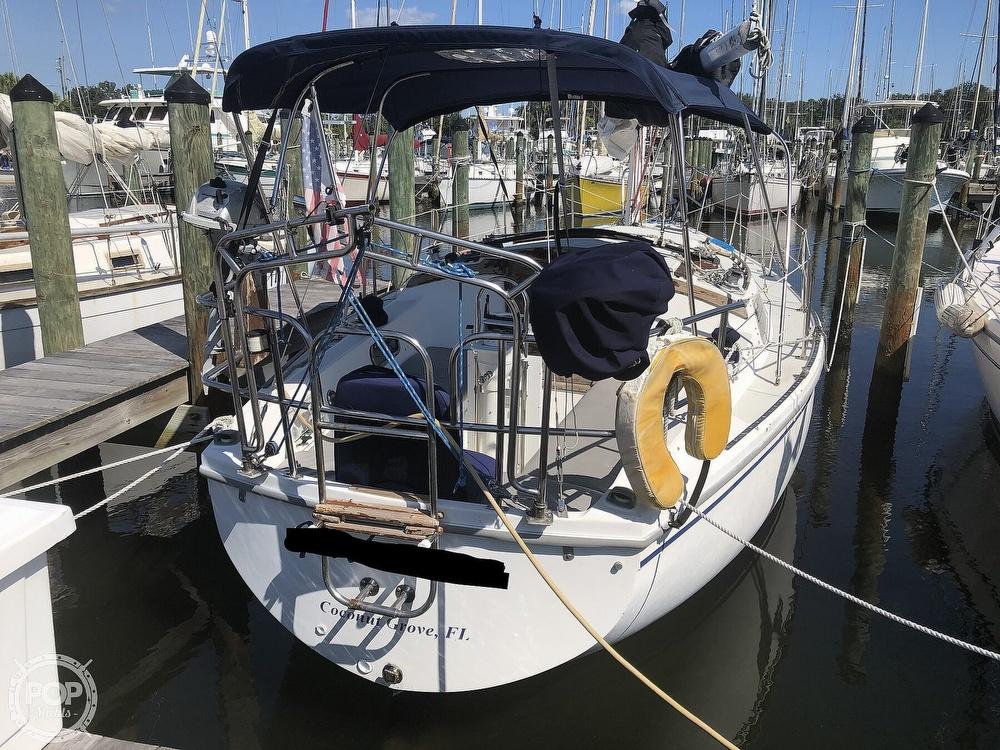 1986 Catalina Yachts boat for sale, model of the boat is 30 & Image # 6 of 40