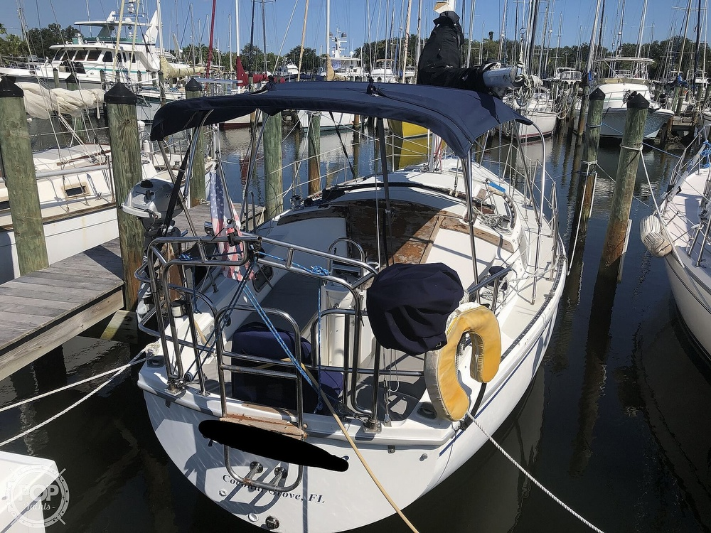 1986 Catalina Yachts boat for sale, model of the boat is 30 & Image # 7 of 40