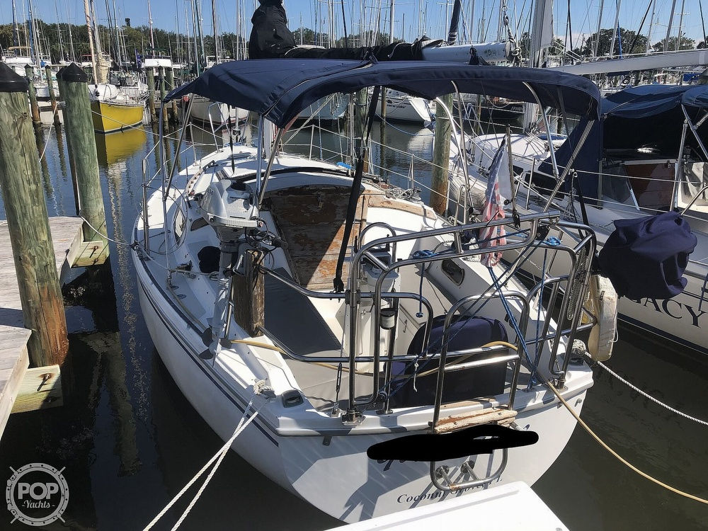 1986 Catalina Yachts boat for sale, model of the boat is 30 & Image # 8 of 40