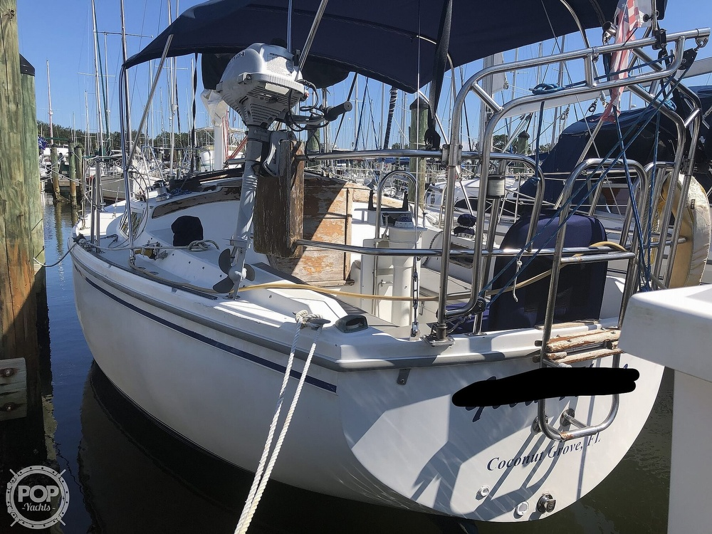 1986 Catalina Yachts boat for sale, model of the boat is 30 & Image # 10 of 40