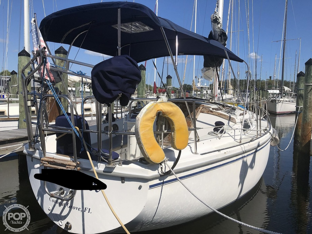 1986 Catalina Yachts boat for sale, model of the boat is 30 & Image # 11 of 40