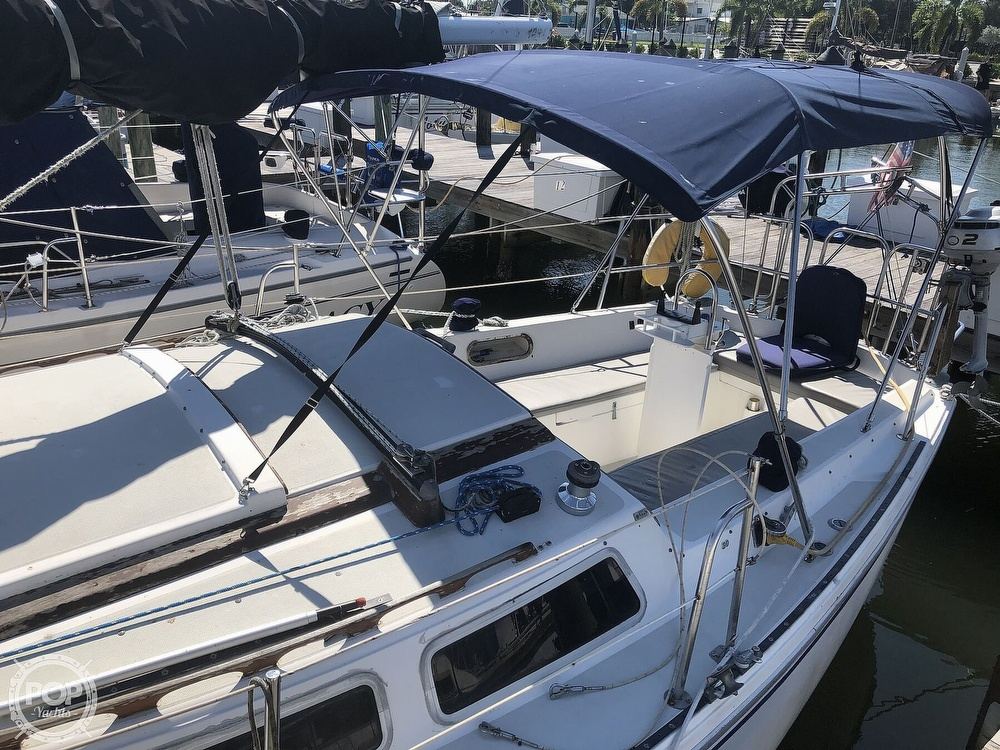 1986 Catalina Yachts boat for sale, model of the boat is 30 & Image # 12 of 40