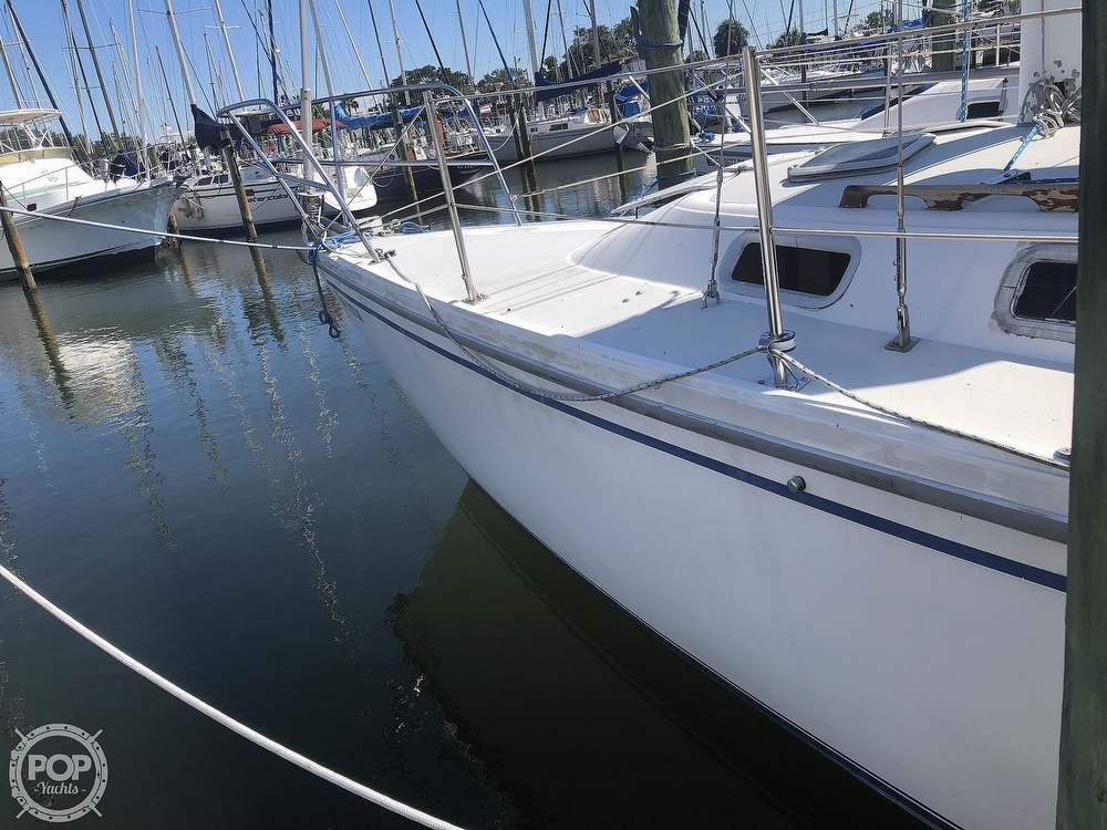 1986 Catalina Yachts boat for sale, model of the boat is 30 & Image # 14 of 40