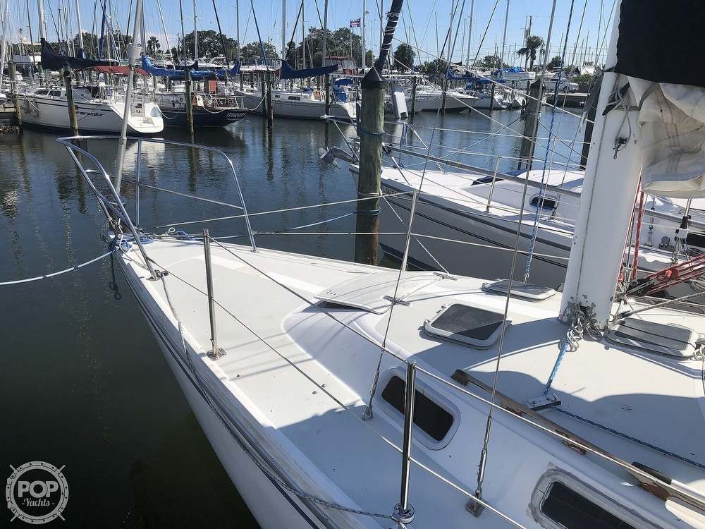 1986 Catalina Yachts boat for sale, model of the boat is 30 & Image # 17 of 40