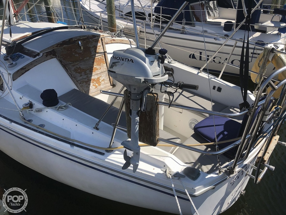 1986 Catalina Yachts boat for sale, model of the boat is 30 & Image # 18 of 40