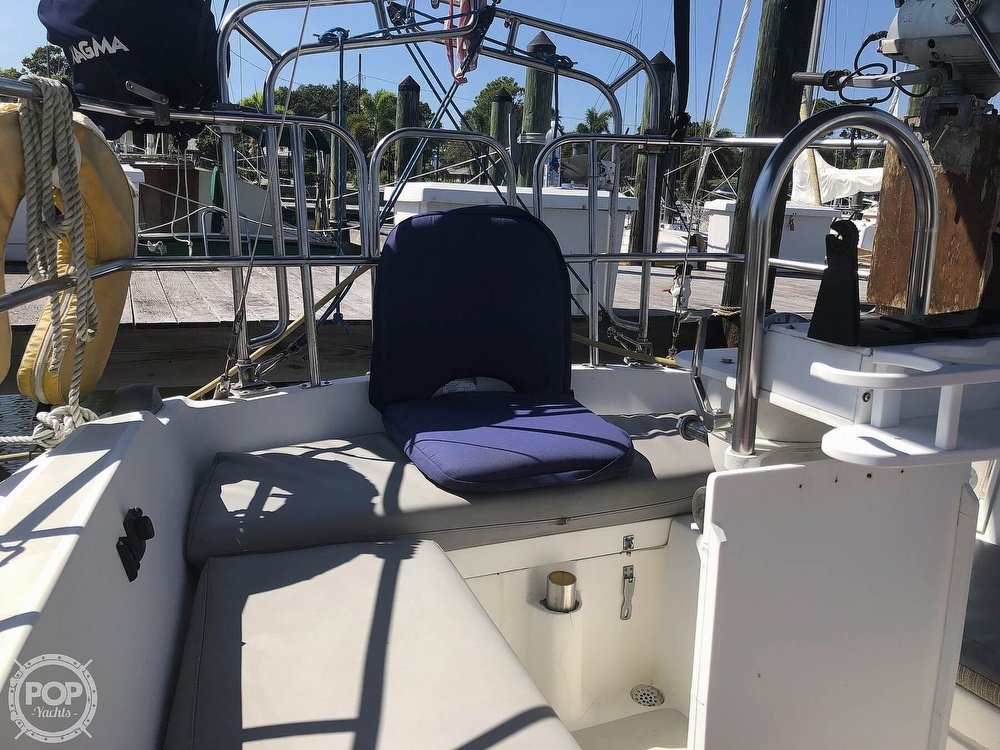1986 Catalina Yachts boat for sale, model of the boat is 30 & Image # 26 of 40