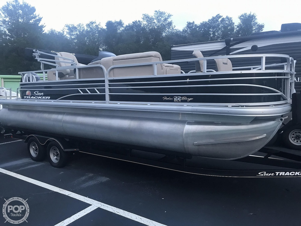 2020 Sun Tracker boat for sale, model of the boat is Fishin Barge 22 DLX & Image # 5 of 41