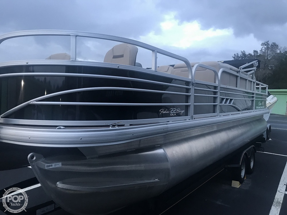 2020 Sun Tracker boat for sale, model of the boat is Fishin Barge 22 DLX & Image # 13 of 41