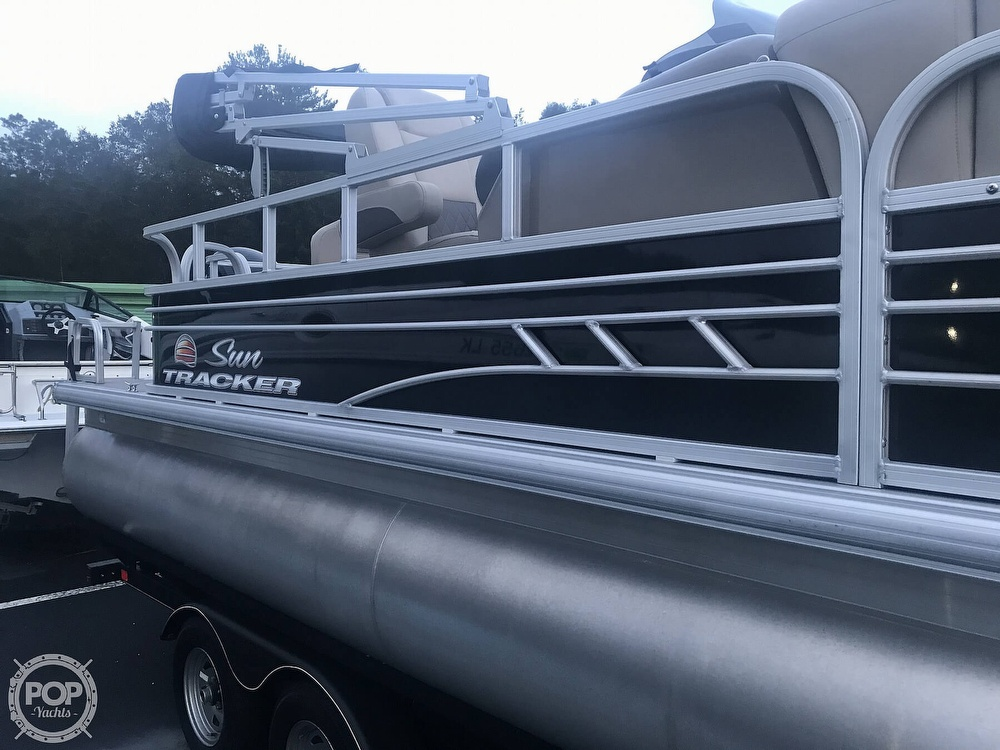 2020 Sun Tracker boat for sale, model of the boat is Fishin Barge 22 DLX & Image # 18 of 41