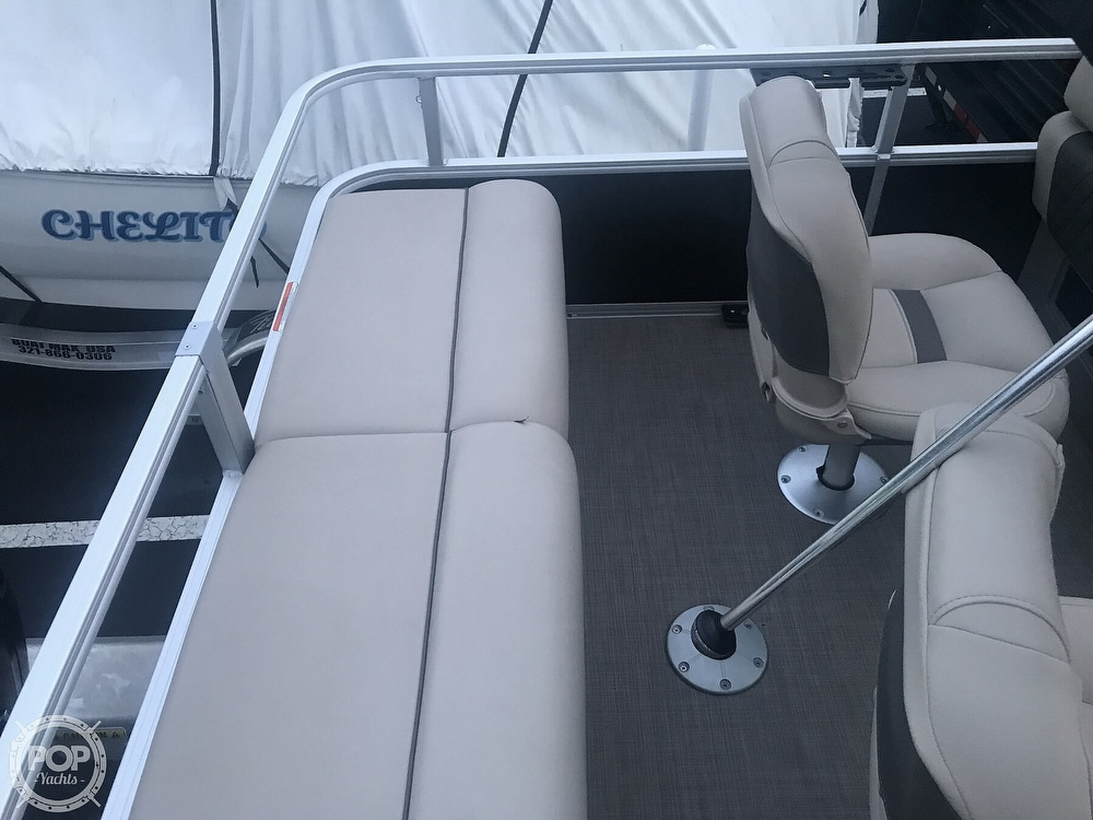 2020 Sun Tracker boat for sale, model of the boat is Fishin Barge 22 DLX & Image # 32 of 41