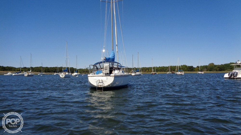 1985 Catalina Yachts boat for sale, model of the boat is 30 Tall Rig & Image # 2 of 41