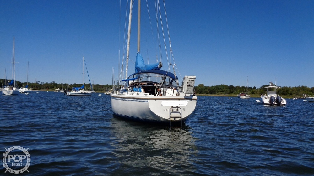 1985 Catalina Yachts boat for sale, model of the boat is 30 Tall Rig & Image # 3 of 41