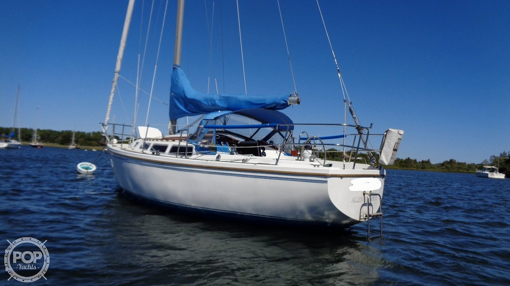 1985 Catalina Yachts boat for sale, model of the boat is 30 Tall Rig & Image # 5 of 41
