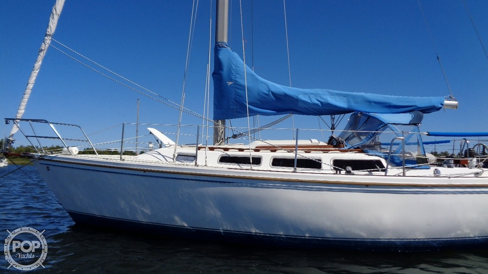 1985 Catalina Yachts boat for sale, model of the boat is 30 Tall Rig & Image # 7 of 41