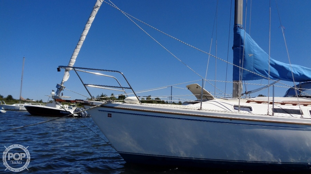 1985 Catalina Yachts boat for sale, model of the boat is 30 Tall Rig & Image # 8 of 41