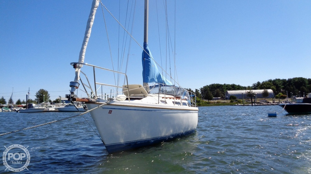 1985 Catalina Yachts boat for sale, model of the boat is 30 Tall Rig & Image # 9 of 41