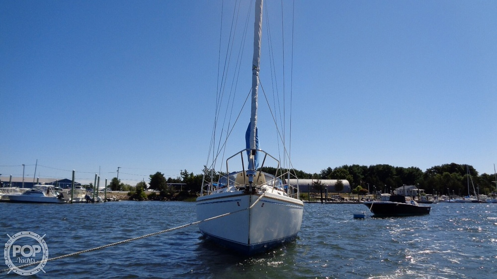 1985 Catalina Yachts boat for sale, model of the boat is 30 Tall Rig & Image # 10 of 41