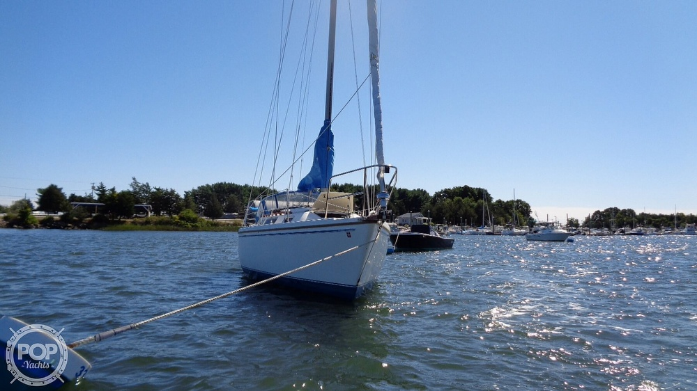 1985 Catalina Yachts boat for sale, model of the boat is 30 Tall Rig & Image # 11 of 41