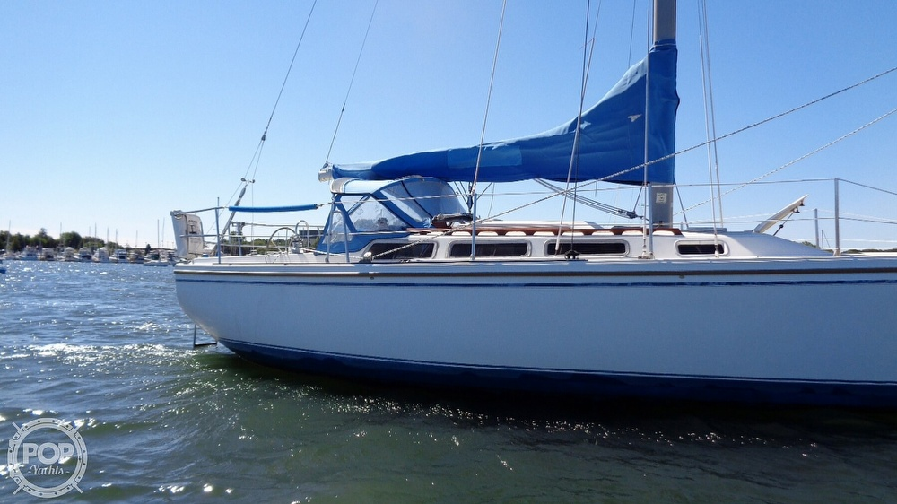 1985 Catalina Yachts boat for sale, model of the boat is 30 Tall Rig & Image # 14 of 41