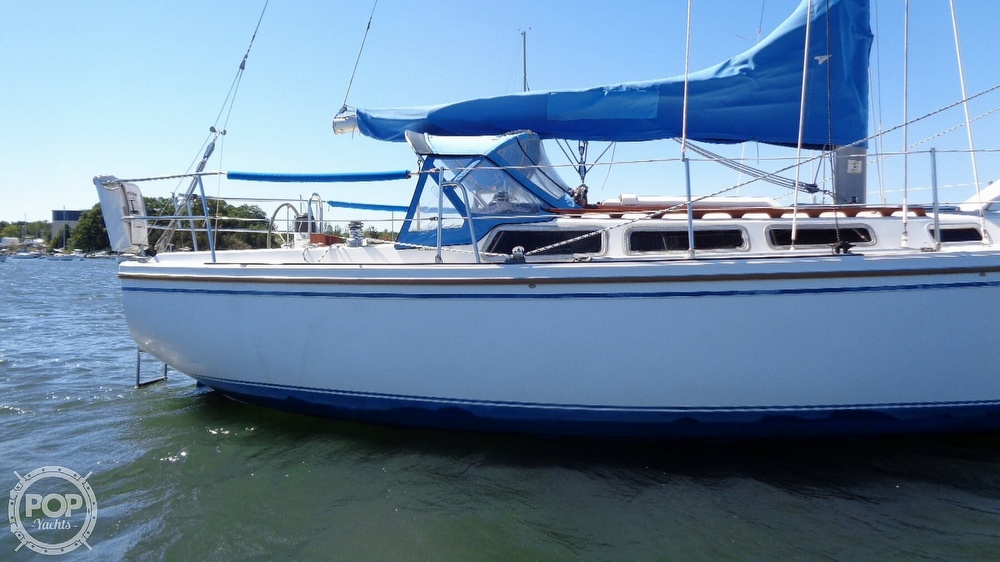 1985 Catalina Yachts boat for sale, model of the boat is 30 Tall Rig & Image # 15 of 41