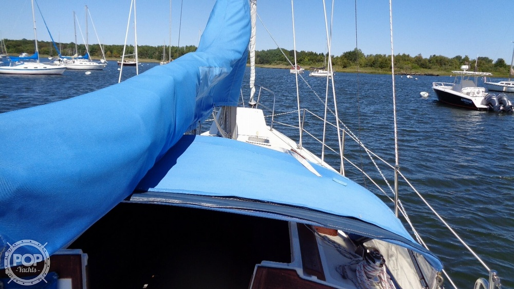 1985 Catalina Yachts boat for sale, model of the boat is 30 Tall Rig & Image # 16 of 41