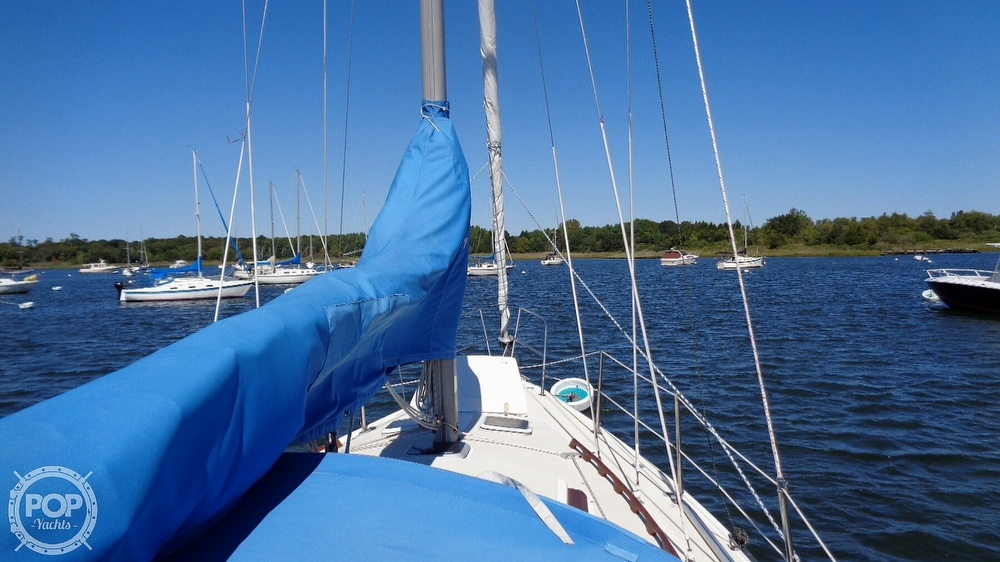 1985 Catalina Yachts boat for sale, model of the boat is 30 Tall Rig & Image # 18 of 41