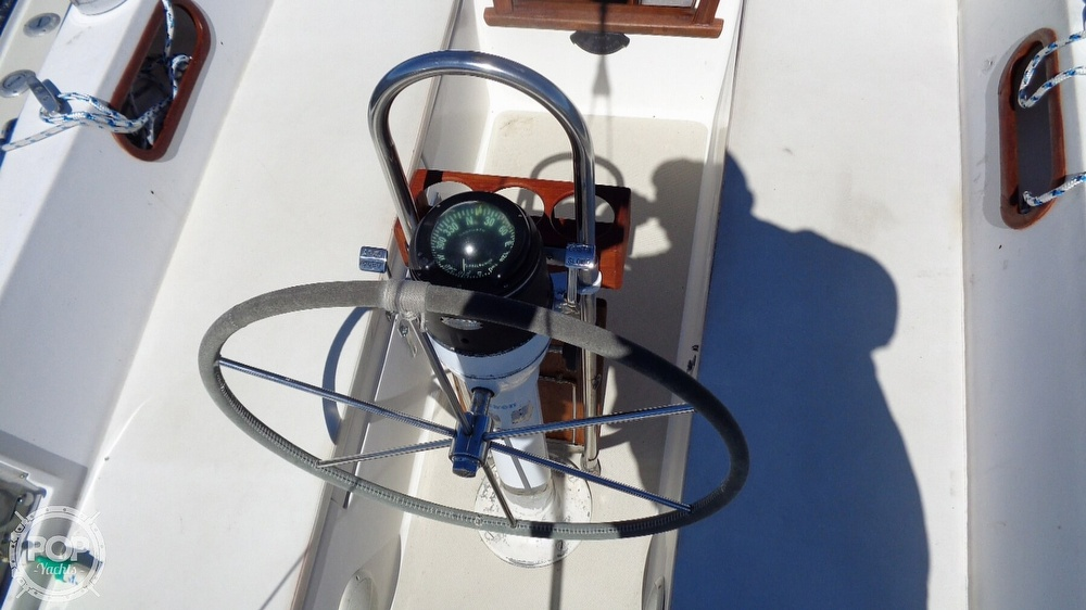 1985 Catalina Yachts boat for sale, model of the boat is 30 Tall Rig & Image # 19 of 41