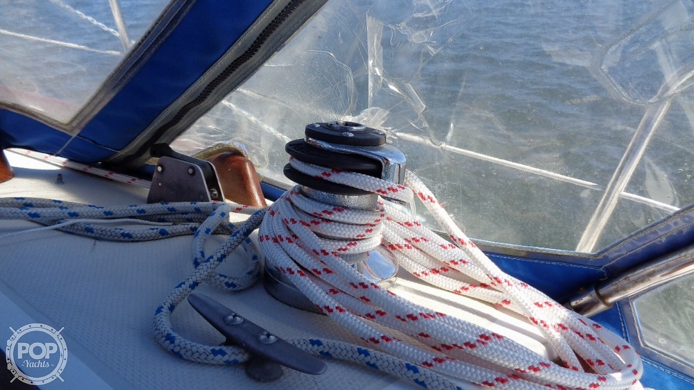 1985 Catalina Yachts boat for sale, model of the boat is 30 Tall Rig & Image # 26 of 41