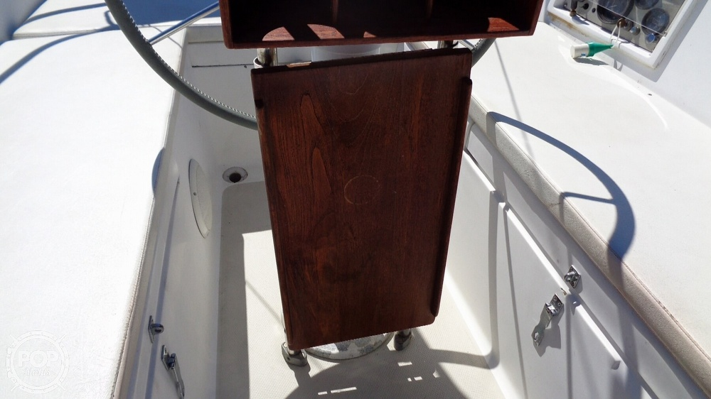 1985 Catalina Yachts boat for sale, model of the boat is 30 Tall Rig & Image # 29 of 41