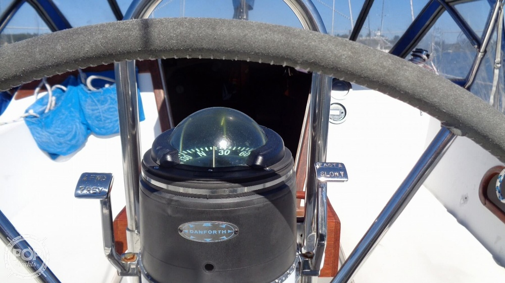 1985 Catalina Yachts boat for sale, model of the boat is 30 Tall Rig & Image # 32 of 41
