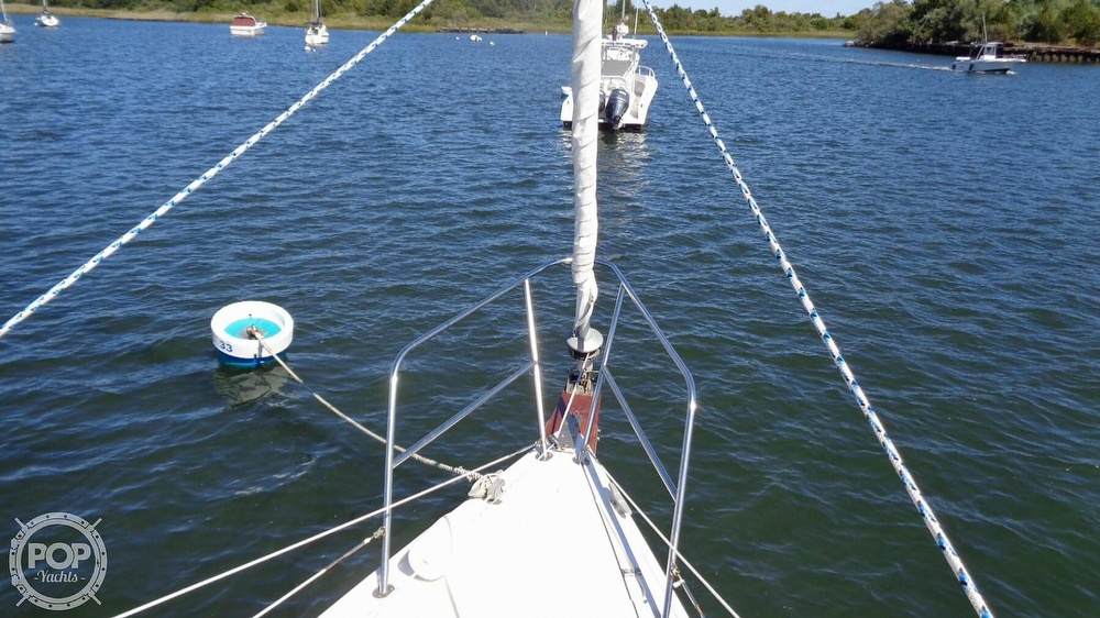 1985 Catalina Yachts boat for sale, model of the boat is 30 Tall Rig & Image # 35 of 41