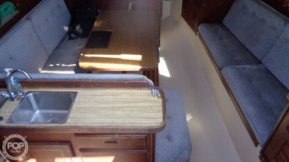 1985 Catalina Yachts boat for sale, model of the boat is 30 Tall Rig & Image # 38 of 41