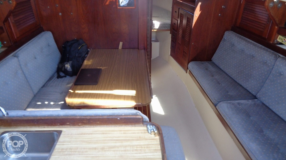 1985 Catalina Yachts boat for sale, model of the boat is 30 Tall Rig & Image # 40 of 41