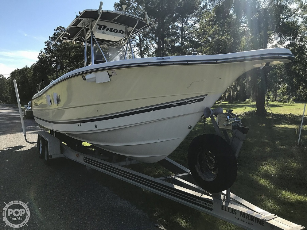 2003 Triton boat for sale, model of the boat is 2486 & Image # 2 of 40