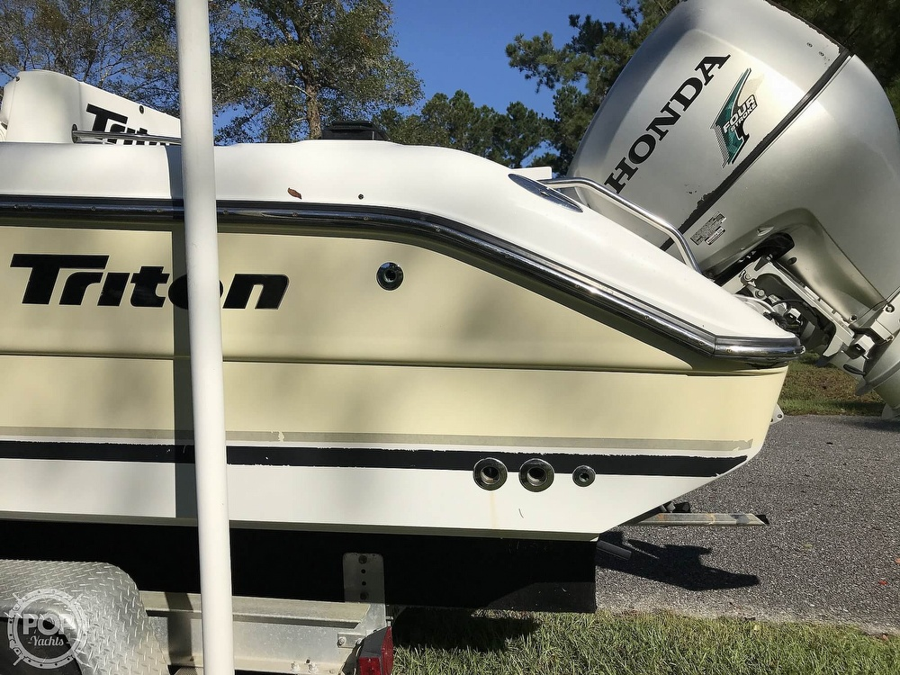 2003 Triton boat for sale, model of the boat is 2486 & Image # 25 of 40
