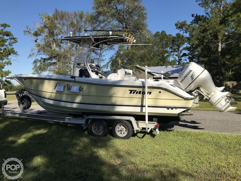 2003 Triton boat for sale, model of the boat is 2486 & Image # 31 of 40