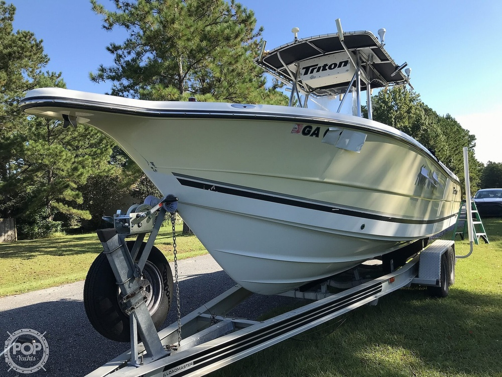 2003 Triton boat for sale, model of the boat is 2486 & Image # 34 of 40