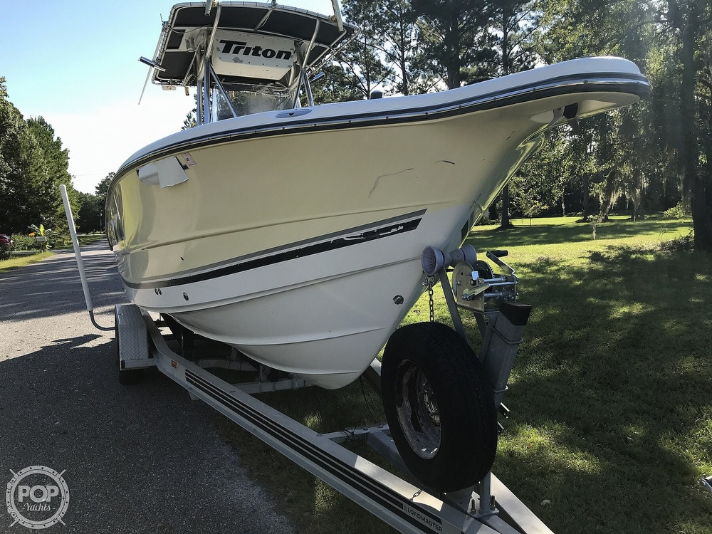 2003 Triton boat for sale, model of the boat is 2486 & Image # 7 of 40