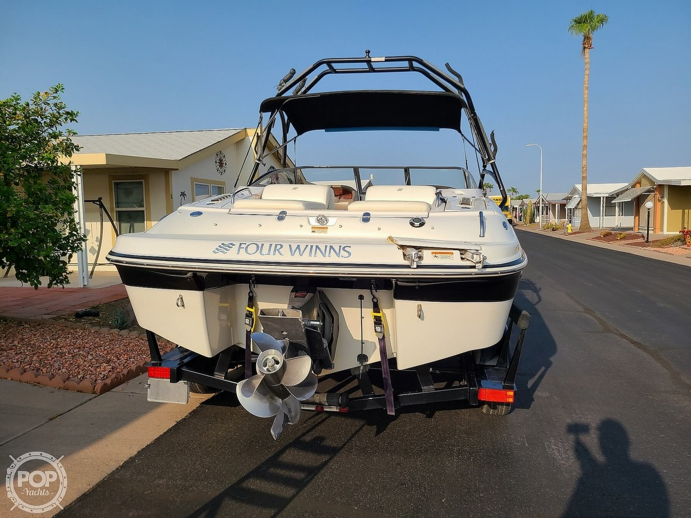 2004 Four Winns boat for sale, model of the boat is 210 Horizon & Image # 7 of 40