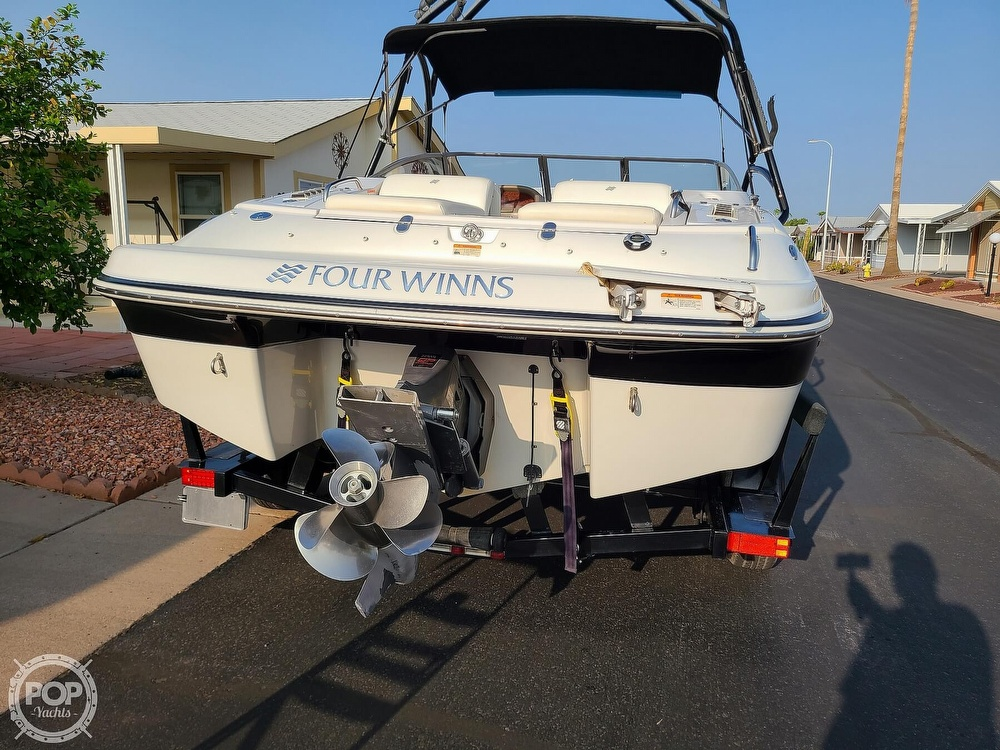 2004 Four Winns boat for sale, model of the boat is 210 Horizon & Image # 9 of 40
