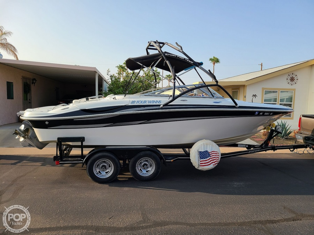 2004 Four Winns boat for sale, model of the boat is 210 Horizon & Image # 2 of 40