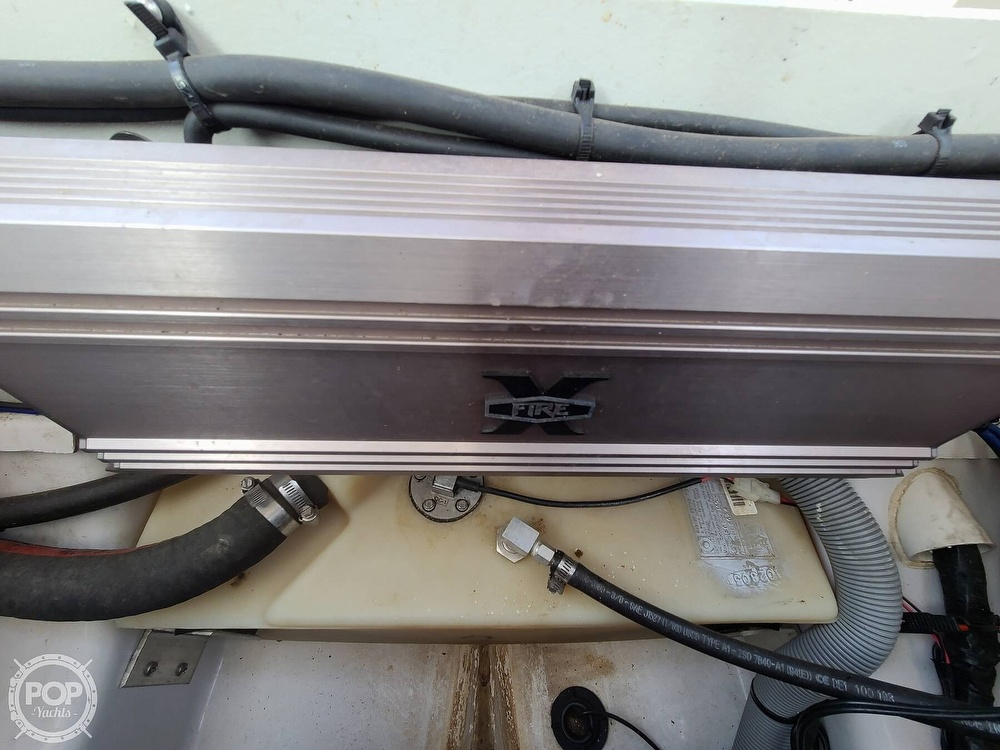 2004 Four Winns boat for sale, model of the boat is 210 Horizon & Image # 12 of 40