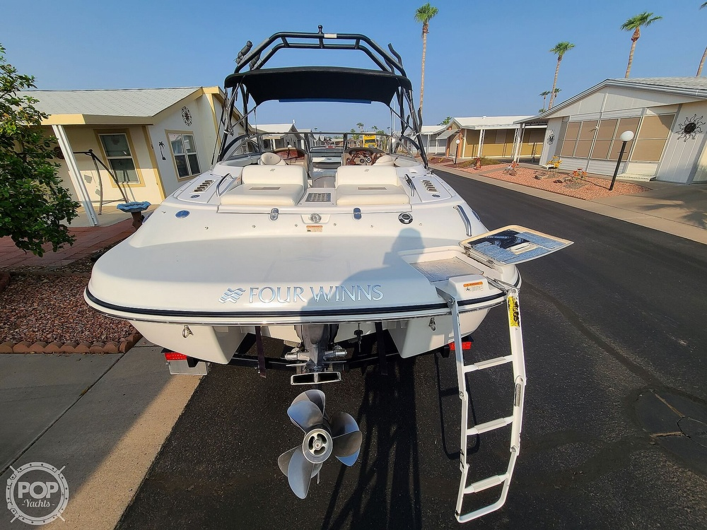 2004 Four Winns boat for sale, model of the boat is 210 Horizon & Image # 3 of 40