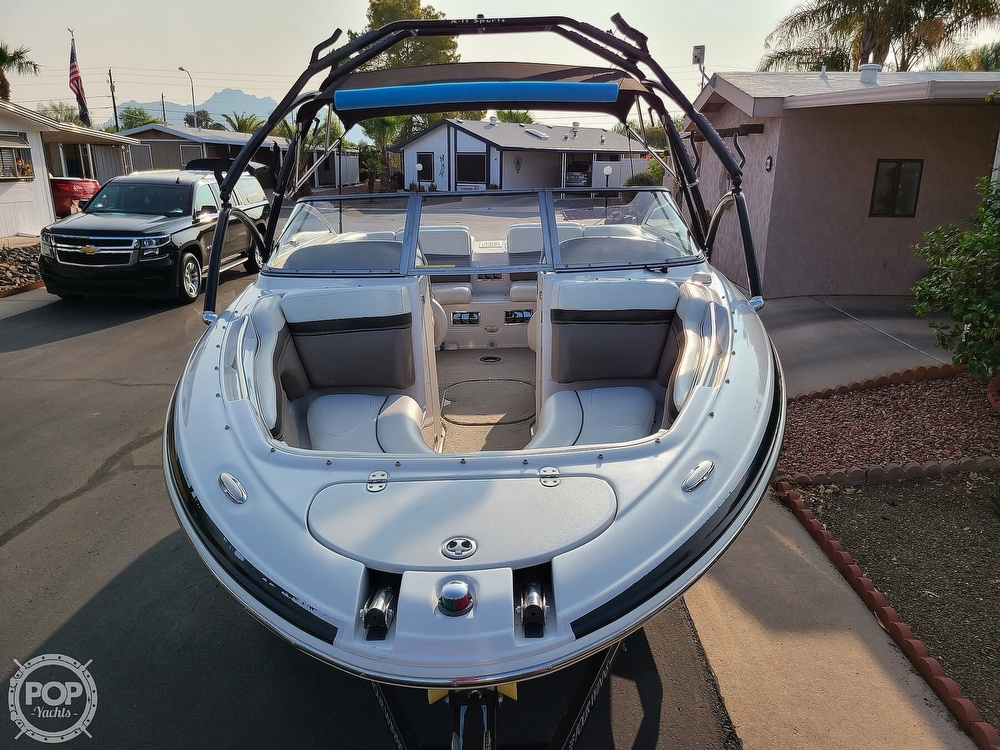 2004 Four Winns boat for sale, model of the boat is 210 Horizon & Image # 4 of 40