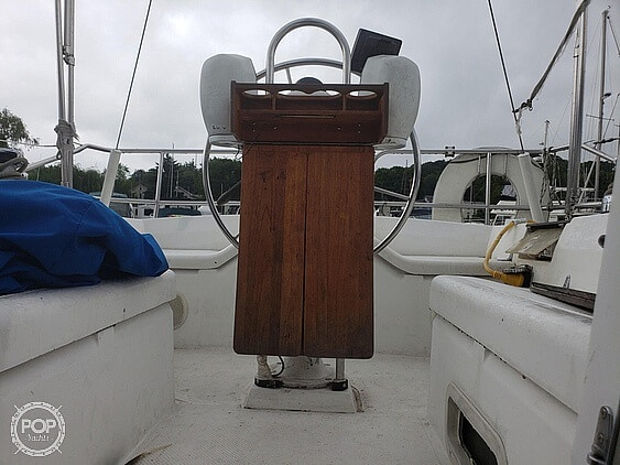 1984 Hunter boat for sale, model of the boat is 34 & Image # 3 of 14