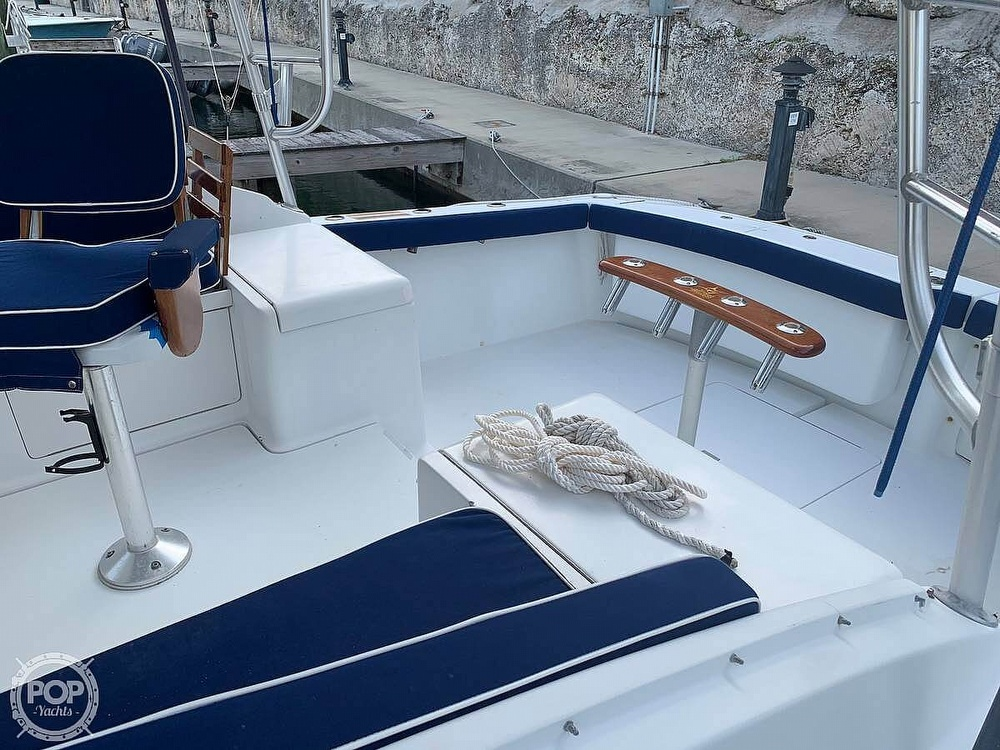 1994 Luhrs boat for sale, model of the boat is 290 Open & Image # 9 of 40