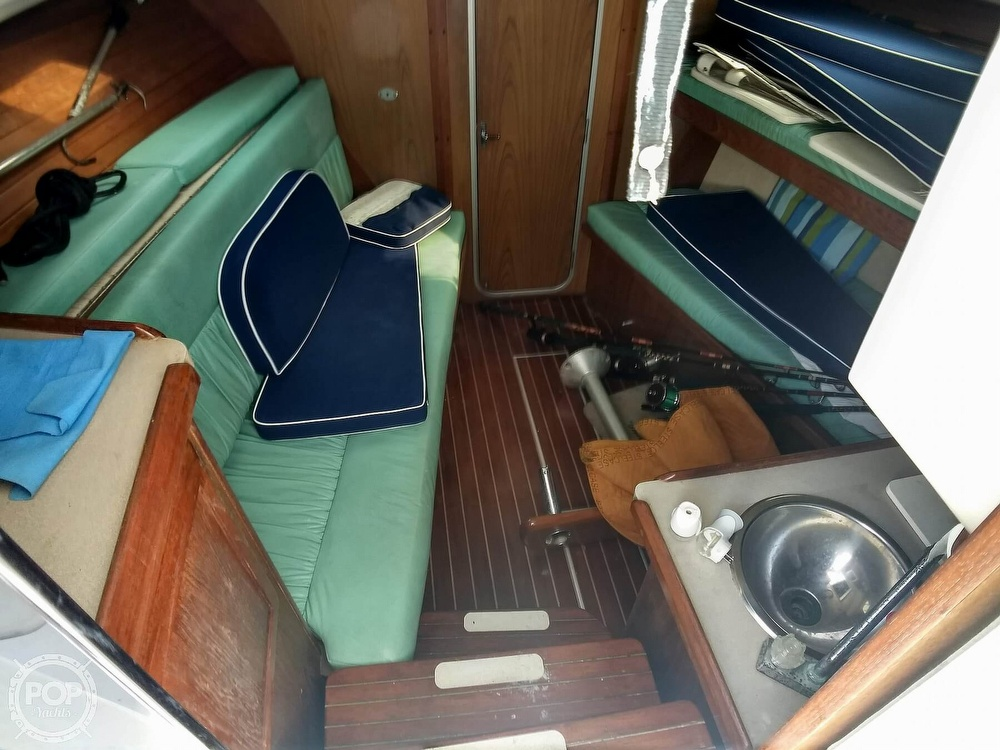 1994 Luhrs boat for sale, model of the boat is 290 Open & Image # 20 of 40